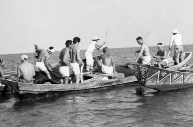 追い込み網漁(アギヤー)