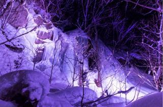 冬の奥入瀬氷瀑ナイトツアー