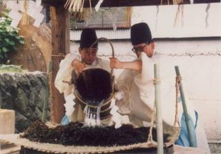 藻塩焼神事・御釜神社例祭