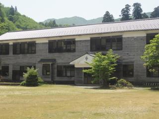 小国ふるさとふれあい村「楯山荘」