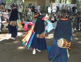 鳥見神社の獅子舞(平岡)