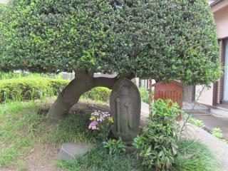 地蔵菩薩像(長坂橋の笠地蔵)