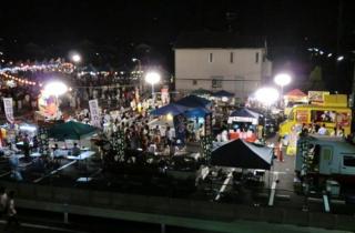 岩倉軽トラ夜市(いわくら夏まつり市民盆おどりに併せて開催)