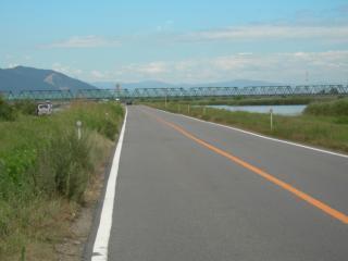 揖斐・長良川の背割提(全長約8km)