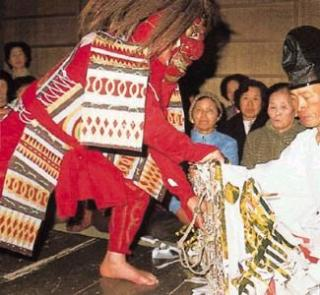 岩戸神楽舞