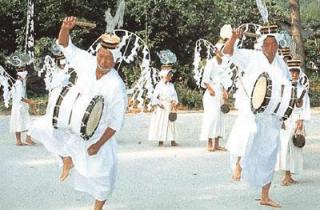 陶の腰輪踊