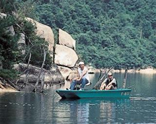 弥栄湖レンタルボート