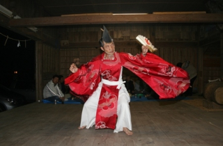 惣郷神楽舞