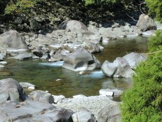小川川甌穴岩群