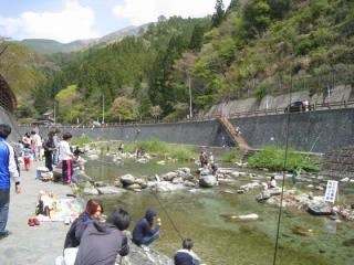 木の香温泉通年釣場