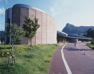 武雄市圖書館、歷史博物館