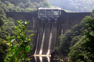 渡川ダム湖