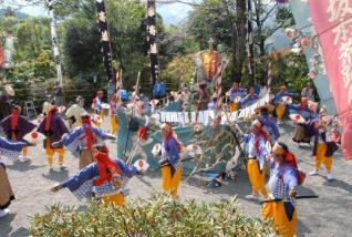 三ヶ所神社例大祭・中登神社例祭(荒踊)