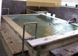 西面的熱水溫泉